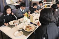 餐單設計課程、西式餐桌禮儀課程及參觀國際級酒店活動相片